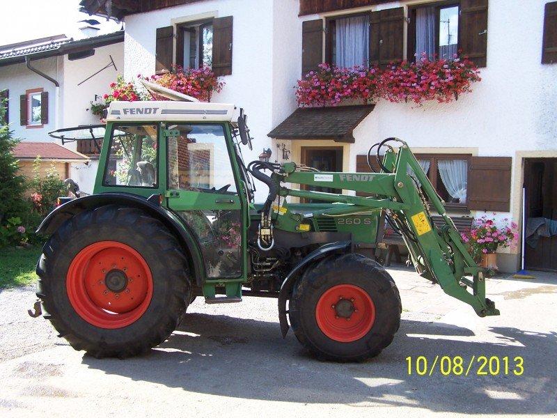fendt farmer 260 s allrad traktor gebrauchte traktoren. Black Bedroom Furniture Sets. Home Design Ideas